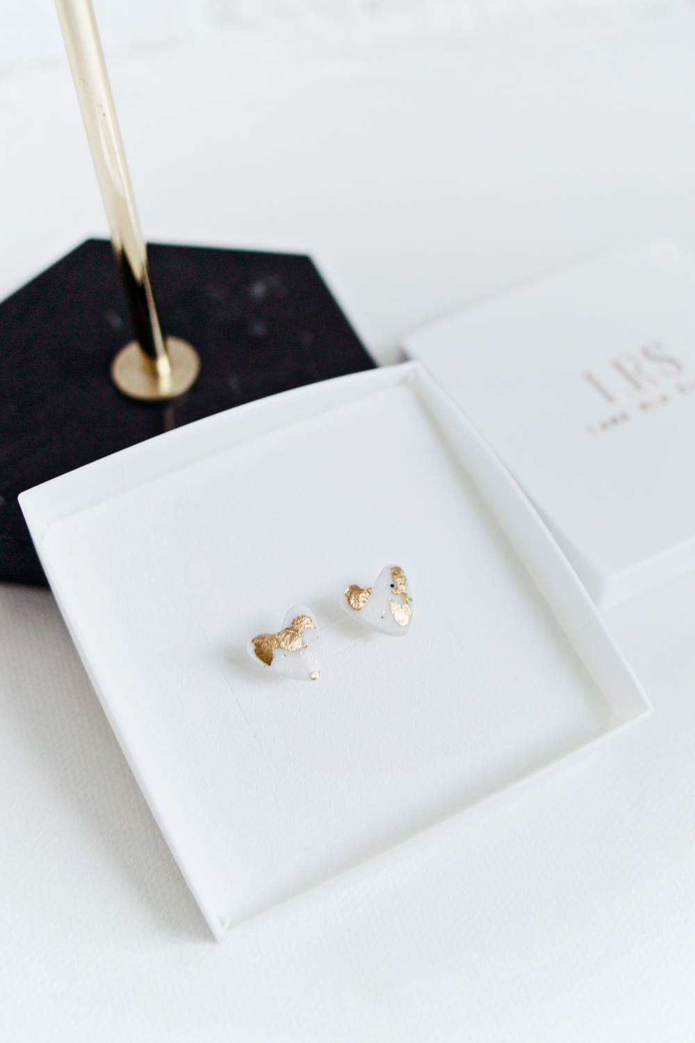 gold earrings stud heart